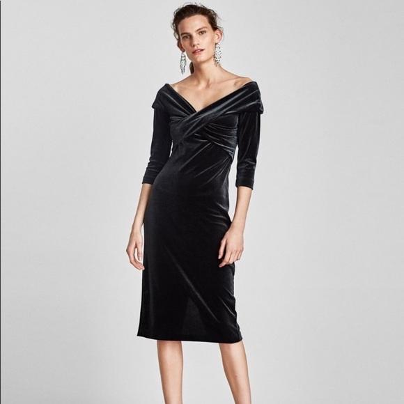 21d01416 Zara Dresses | Dark Green Velvet Off Shoulder Dress M Midi | Poshmark